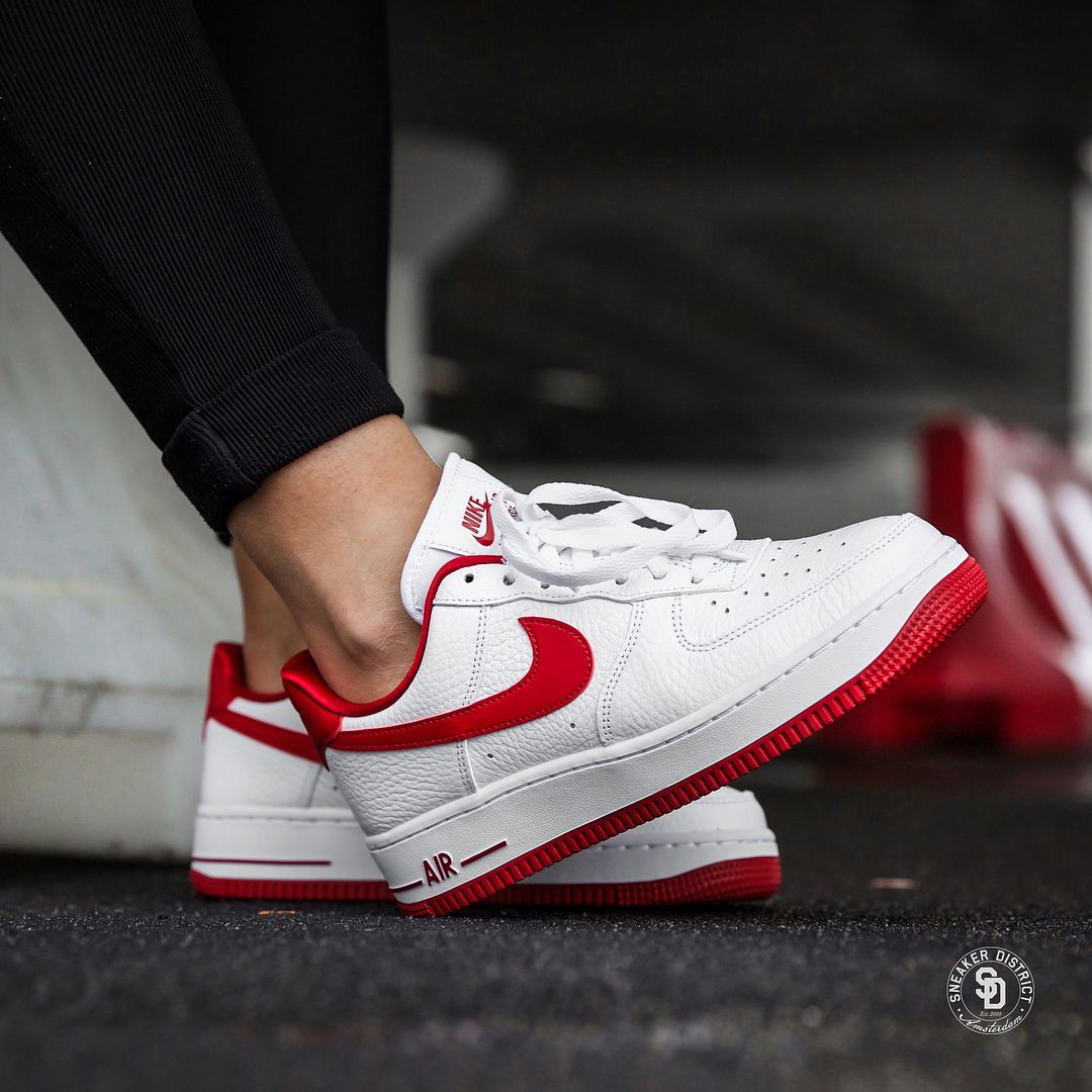 Nike Air Force 1 '07 LX Wmns (WhiteUniversity Red) | HEAT MVMNT