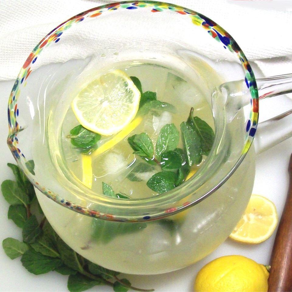 15 Ways to Flavor Lemonade
