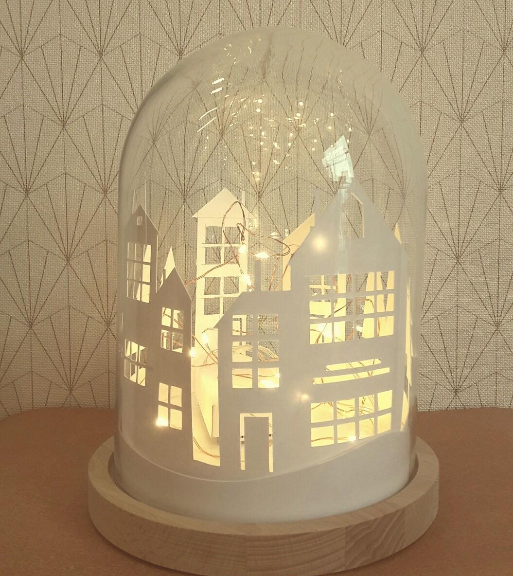 Que Mettre Sous Une Cloche En Verre mon village lumineux sous cloche | deco noel, decoration