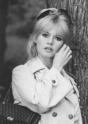 Stylish Brigitte Bardot. Please sign up to her foundation on line if you haven't already, and campaign for animal welfare.  http://www.fondationbrigittebardot.fr/