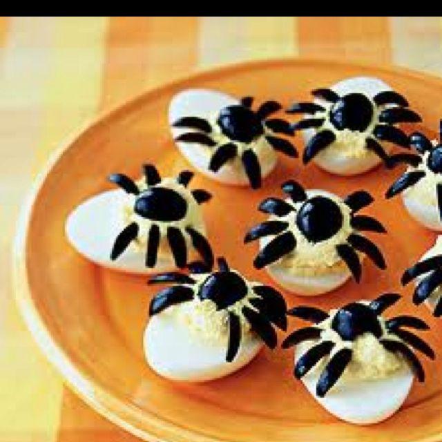 Spiders! Halloween food ideas baby shower Pinterest Halloween - pinterest halloween food ideas
