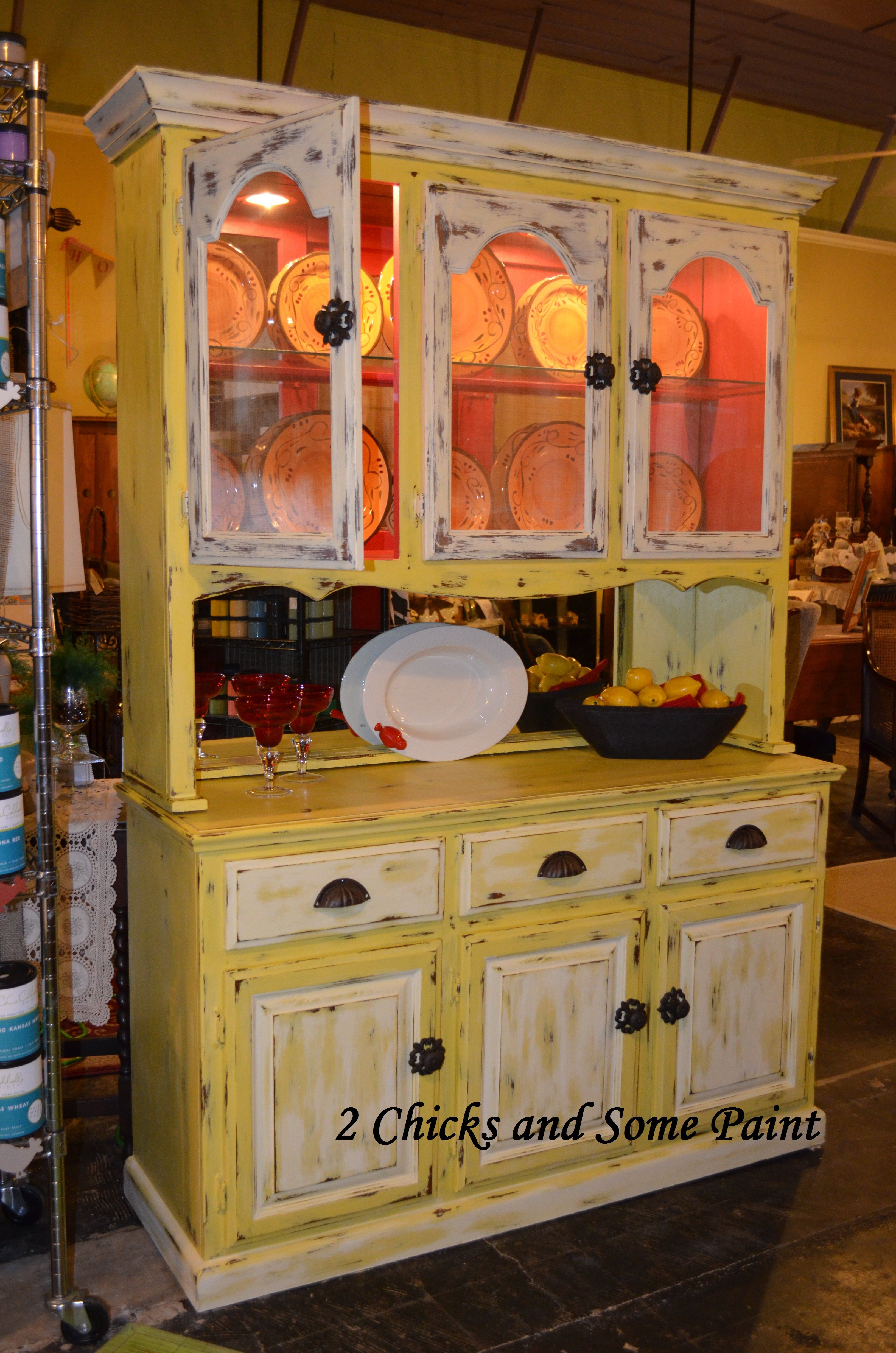 Carolina Sun Yellow W Johnston Daffodil And Add A Pop Of Color With Traverse City Cherry Vintage Screens And Some Distres Decor Milk Paint Home Decor