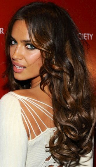 Wavy Hair Styles for Curly Hair...minus the 'tryin to be sexy' look
