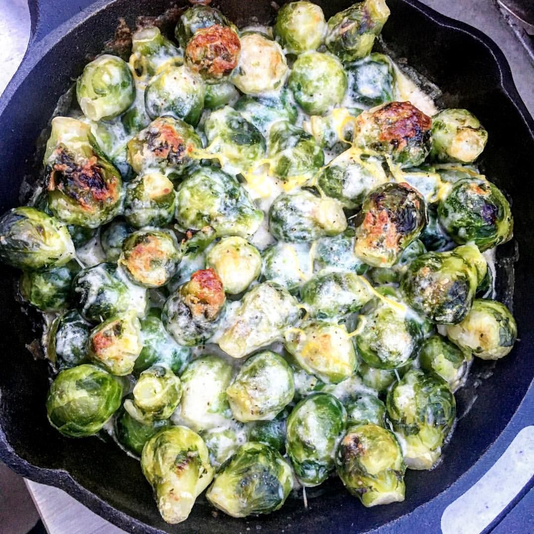 @foodiesgonnafood   Cheesy Alfredo Brussels Sprout