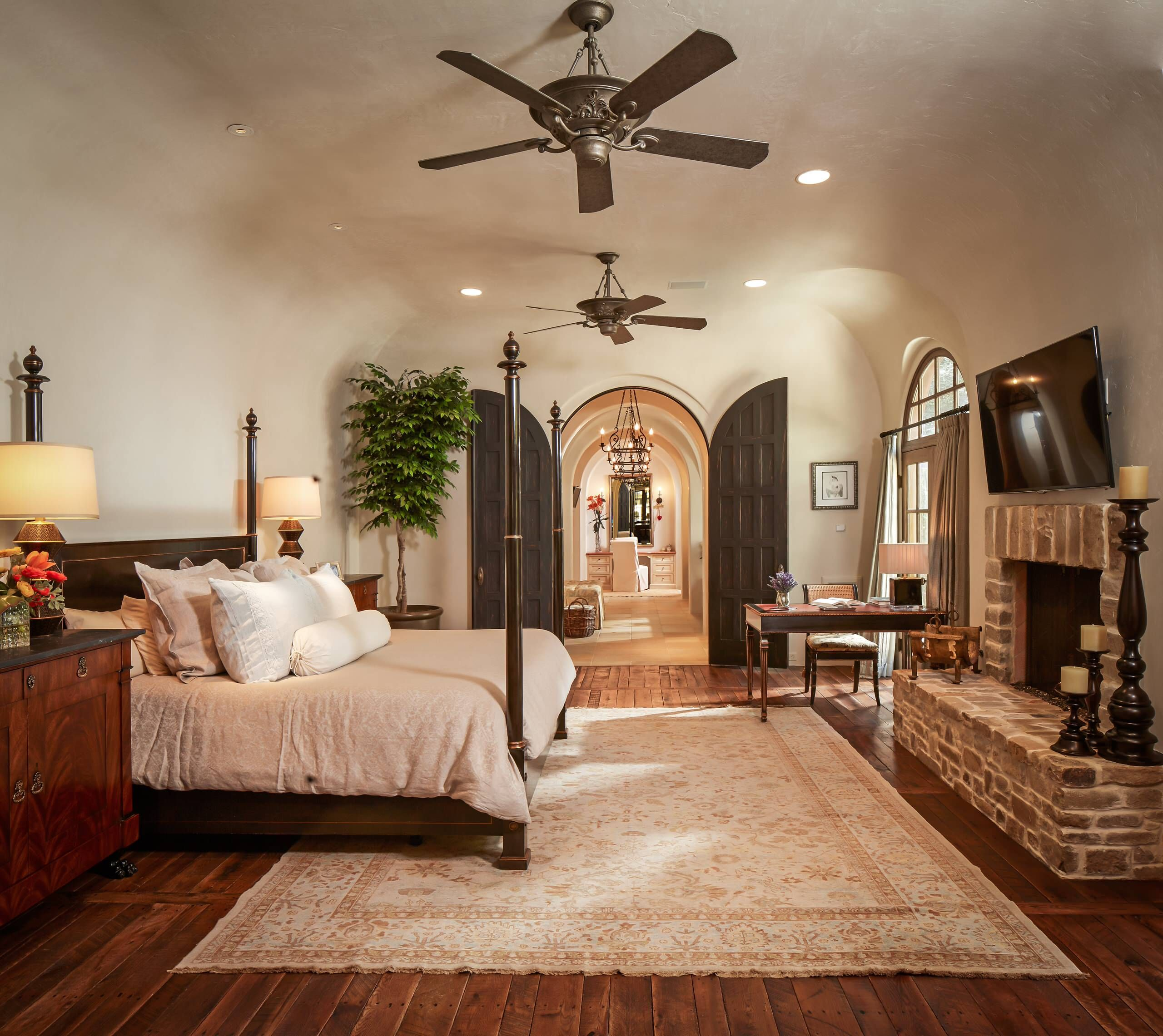 46 Eye Catching Master Bedrooms is part of Master bedroom Recamara Principal - Master bedroom design ideas that range from traditional to contemporary and fit all budgets