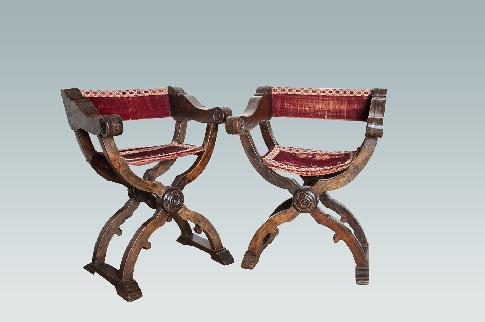 Rare pair of Italian 16th century X frame chairs circa 1530 1540