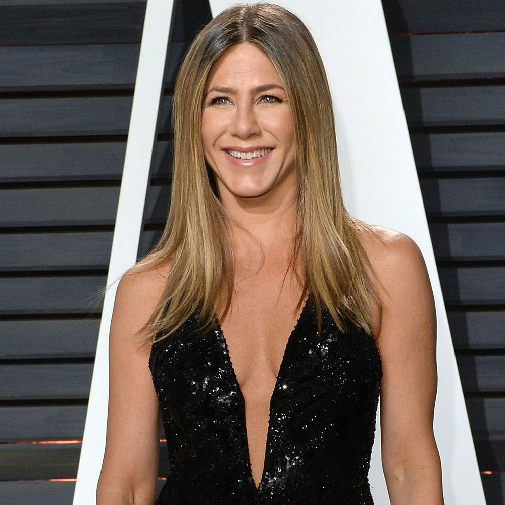 Jennifer Aniston Wears Same Exact Dress as Jennifer Lopez to the ...