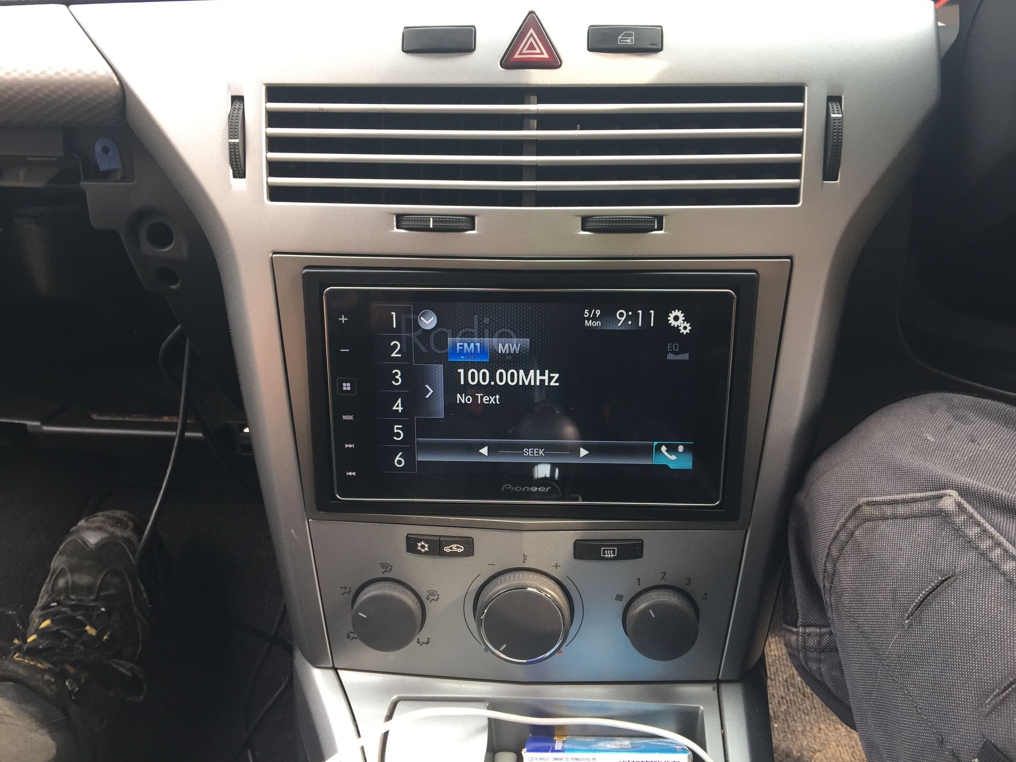 vauxhall astra h van with a pioneer sph120 app radio. Black Bedroom Furniture Sets. Home Design Ideas