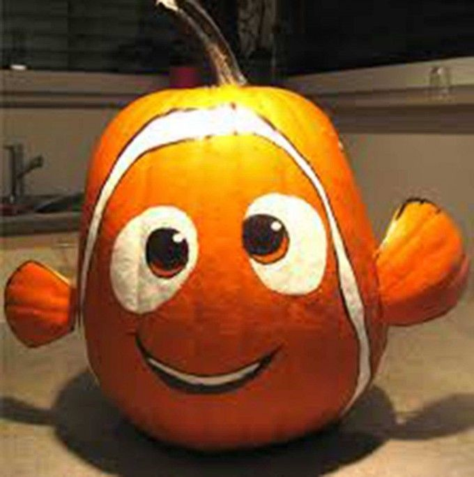 jen i thought of ryan and his stuffed nemo he loved sooo muchthese are the best carved decorated pumpkin ideas for halloween - Decorated Halloween Pumpkins