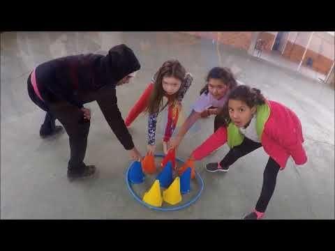 Tres Cones Em Um Dos Cantos Youtube Com Imagens Atividades