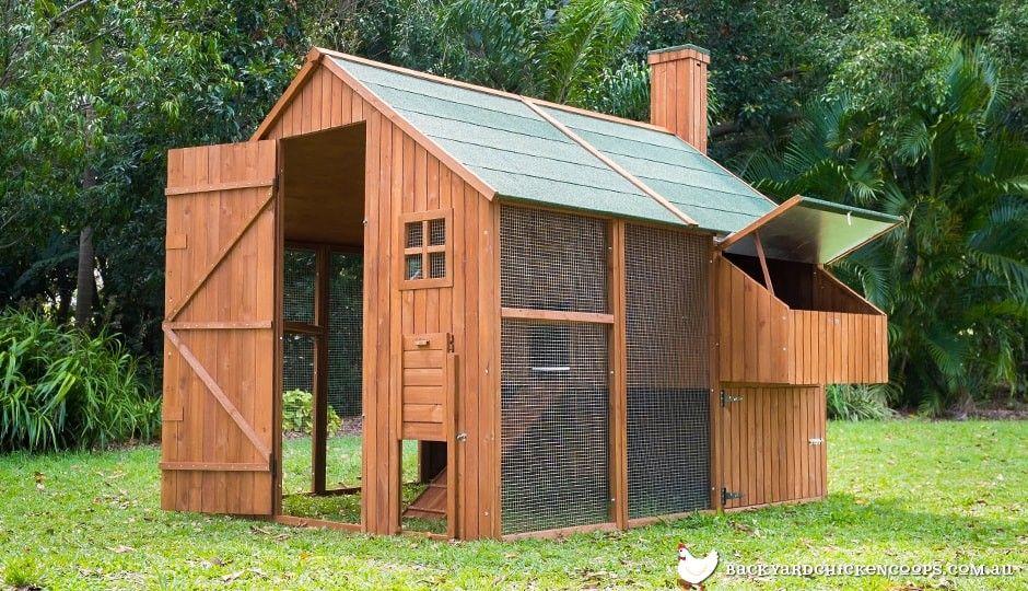 Mansion Package Walk in chicken coop, Chickens backyard