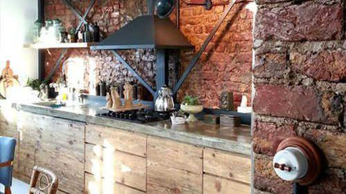 Batu Bata Ekspos Untuk Dapur Minimalis Elegan Desain