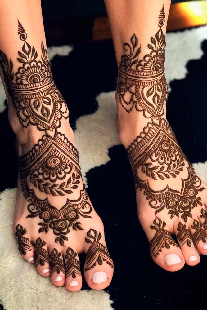 Heavy Bridal Mehandi Design