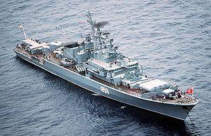 Kirvak I clase frigate.jpg             Armamento:  1 × 4 SS-N-14 'Silex' misiles ASW  2 × SA-N-4'Gecko ' SAM (40 misiles)  Pistolas de 4 x 76 mm (2 x 2)  2 × RBU-6000 Cohetes anti-submarinos  Tubos de torpedo de 2 × 4 533 mm