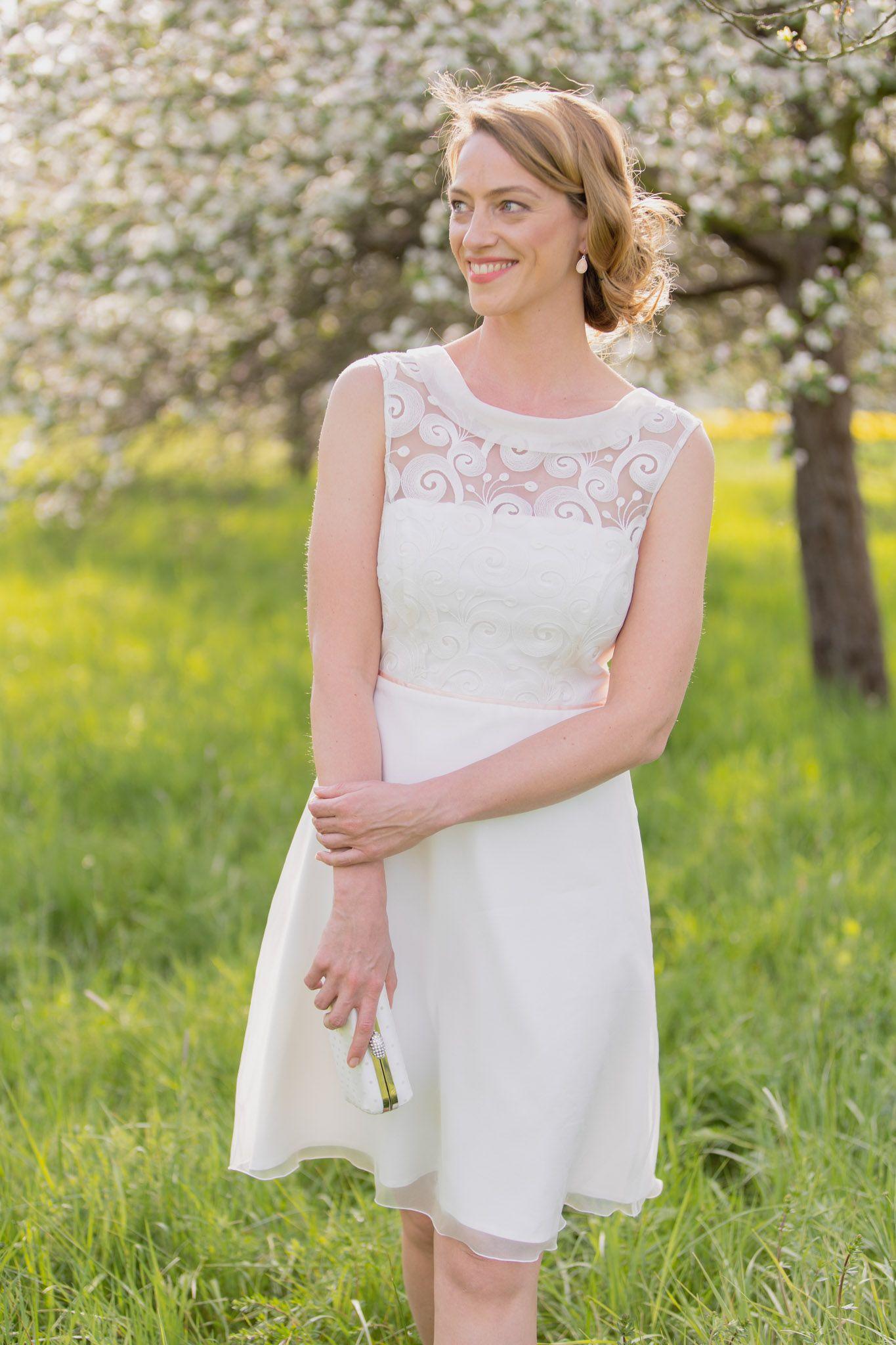 Kurzes Brautkleid für das Standesamt in 18  Brautkleid