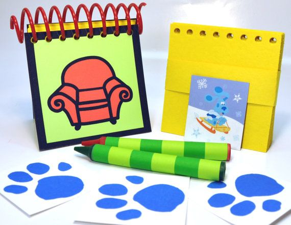 blue s clues handy dandy notebook with box of 4 crayons cool stuff