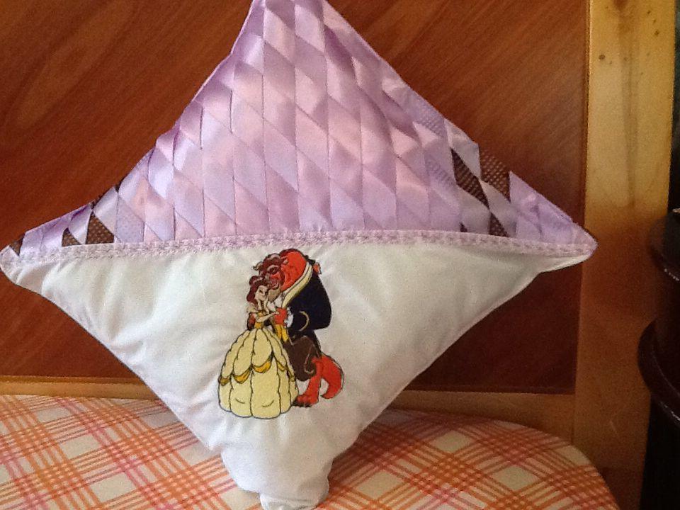 Cojines para la cuna de su bebe bordados y trensados en - Cojines para bebes ...