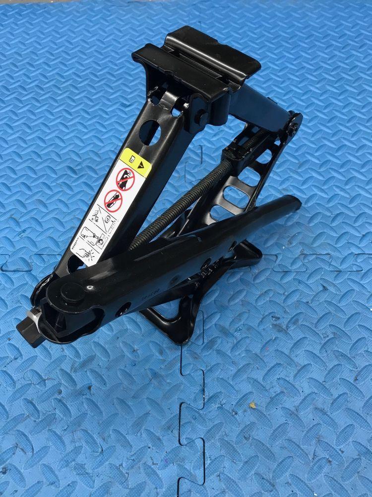 Mopar Jeep Patriot Part Lug Wrench Tool Spare Tire Scissor Jack