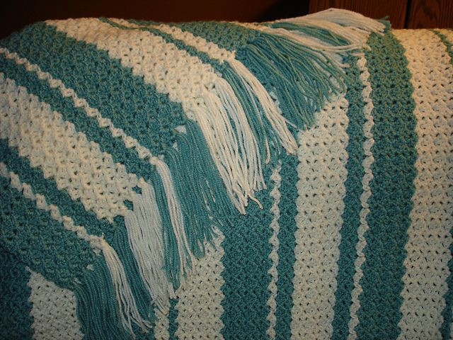 Shepherd\'s Lace Afghan ~ Free pattern by Donna Barranti. I worked up ...