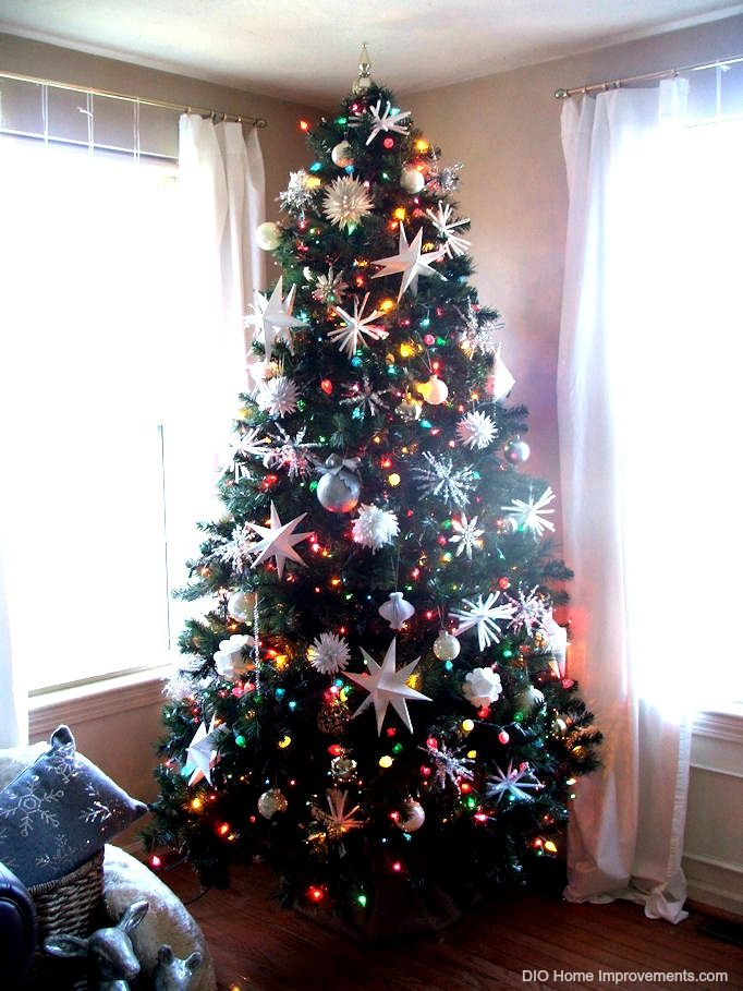 christmas tree decorating ideas with multi colored lights ...