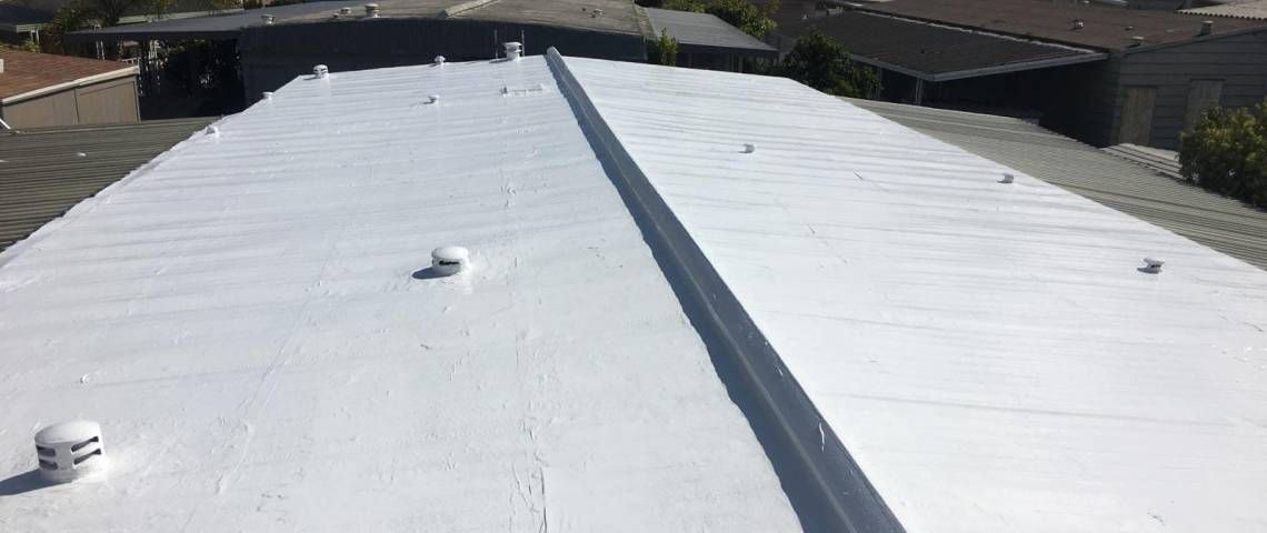 Choose A New Flat Roofing For Your Home Flat Roof Installation Residential Roofing Roof Installation