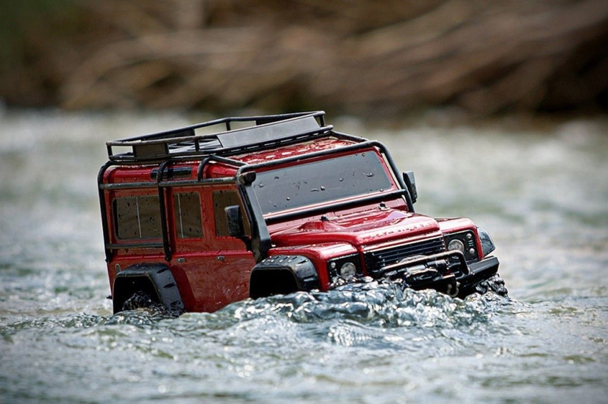 This Rc Land Rover Defender 4x4 Is A Totally Waterproof Off