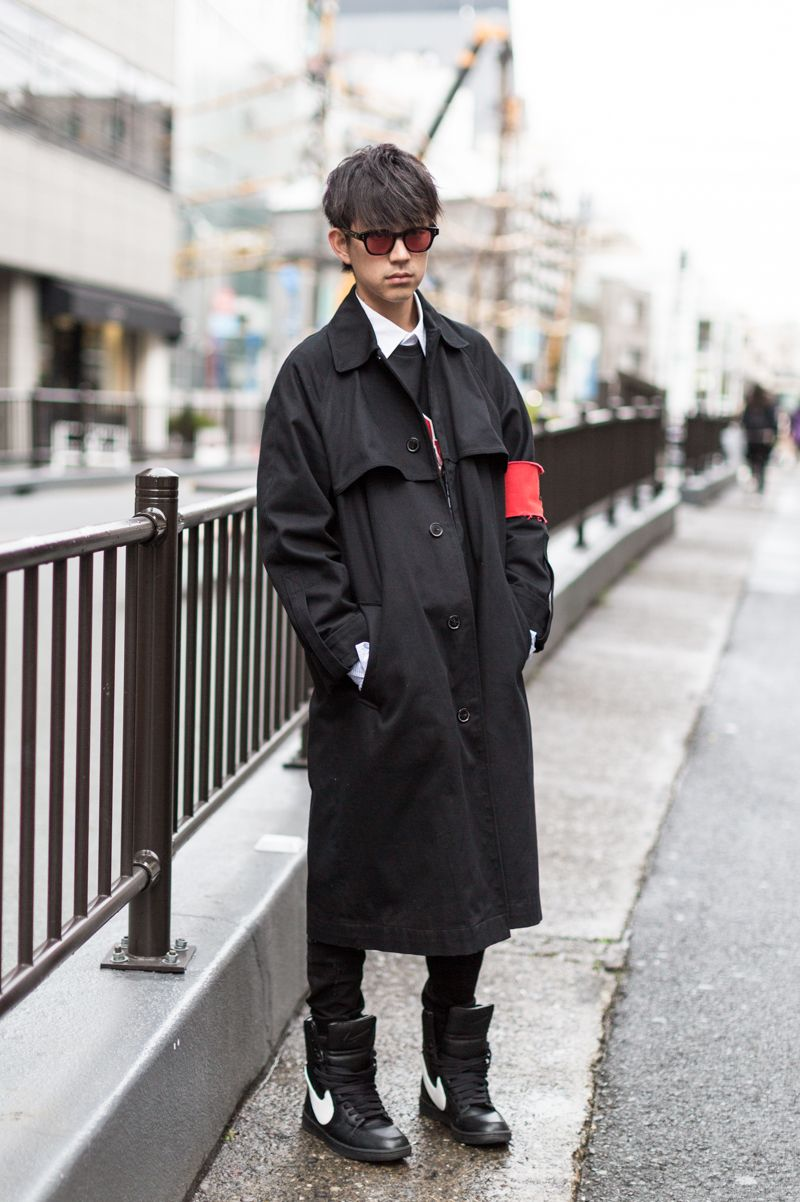 Long Coat And Sneakers Style Cat Street Street Fashion Peony
