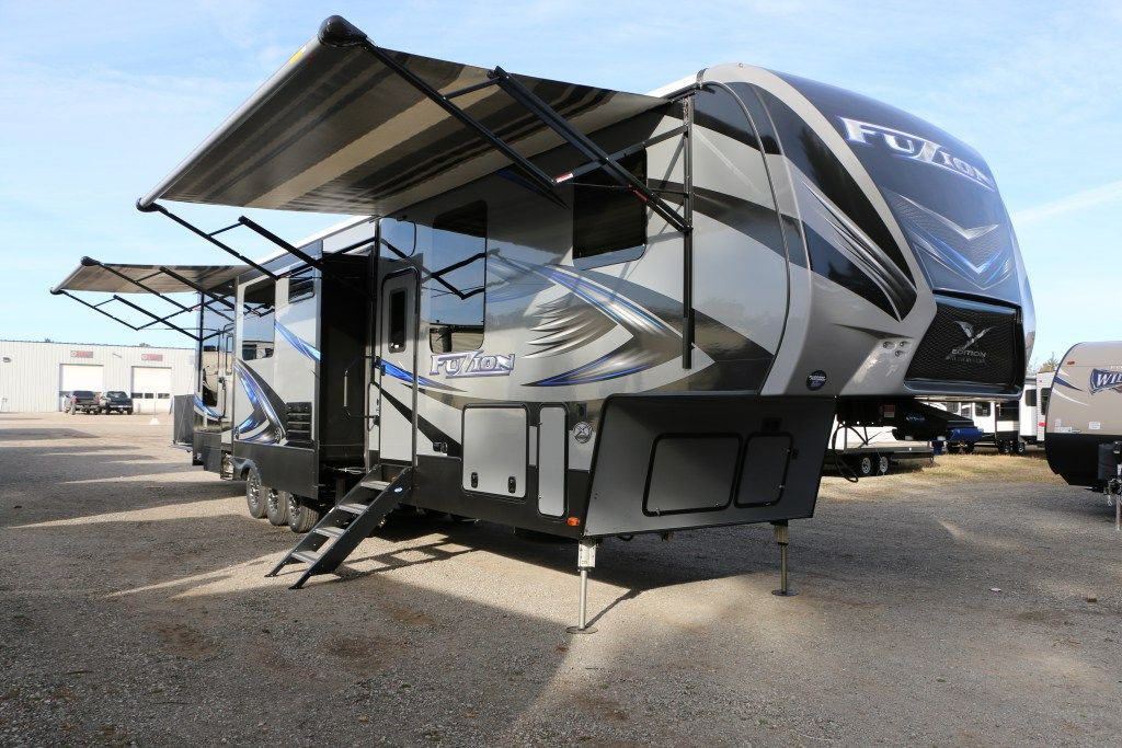 Monster Toy Hauler 2017 Keystone Fuzion 4141 Set Up Is A Snap With The 6 Pt Auto Leveling Syst Fifth Wheel Toy Haulers Toy Hauler Travel Trailers For Sale