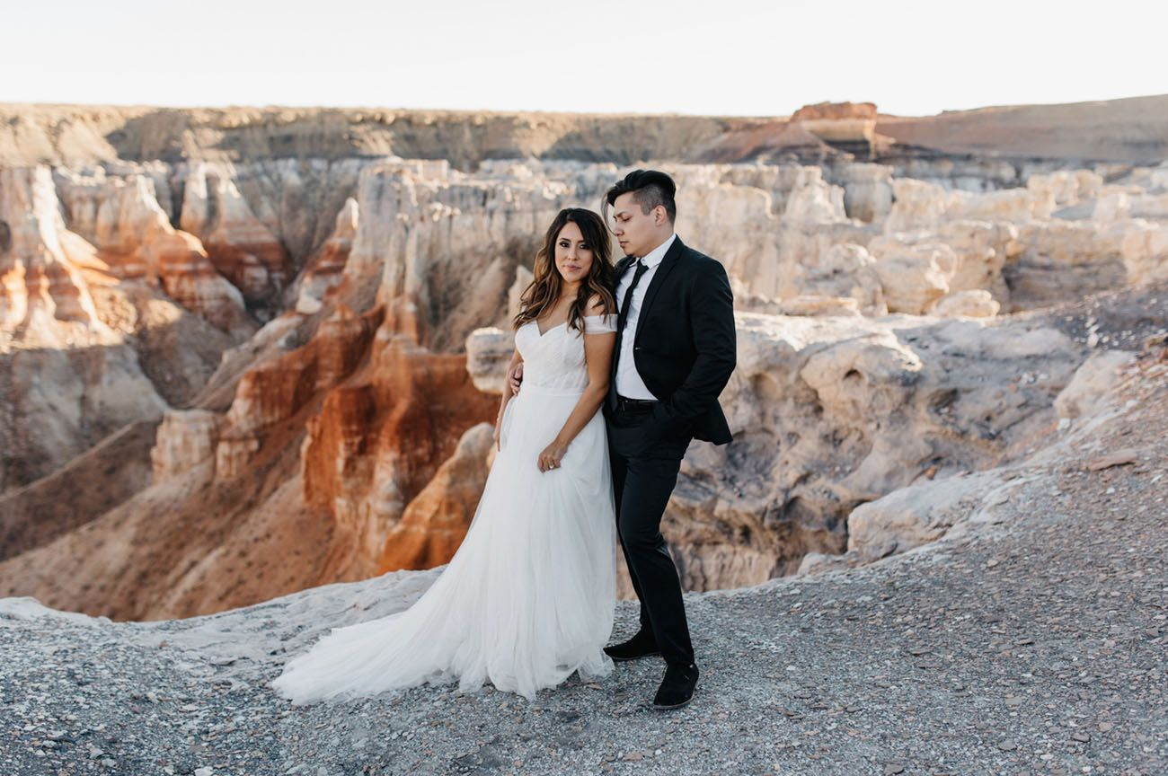 Simple wedding dresses for eloping  Secret Canyon Elopement in Arizona  Elopements Mariage and Weddings