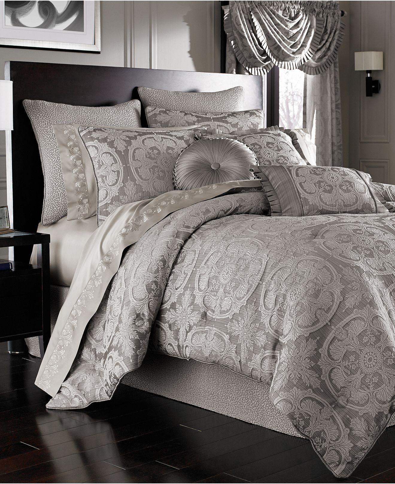 J Queen New York Claremont Silver Comforter Set Comfortable Bedroom Home Grey Comforter Sets