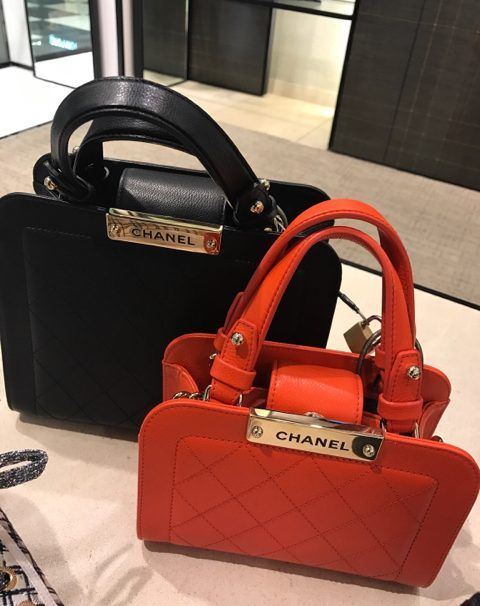395e9655d4f0 Chanel Black Small and Red Mini Label Click Shopping Tote Bag | Bags ...