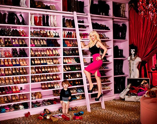 Christina Aguilera's closet  Love love the animal print carpet!