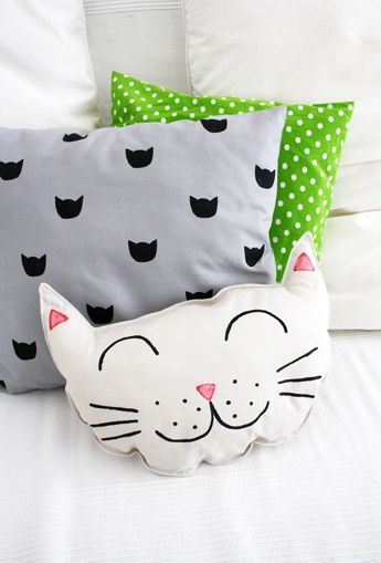 Diy Kitty Cat Pillow Set Sewing And Printing Project Kitty Cats