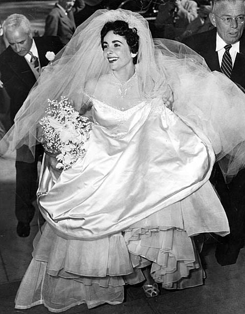 Elizabeth Taylor\'s first wedding dress to be sold at auction ...