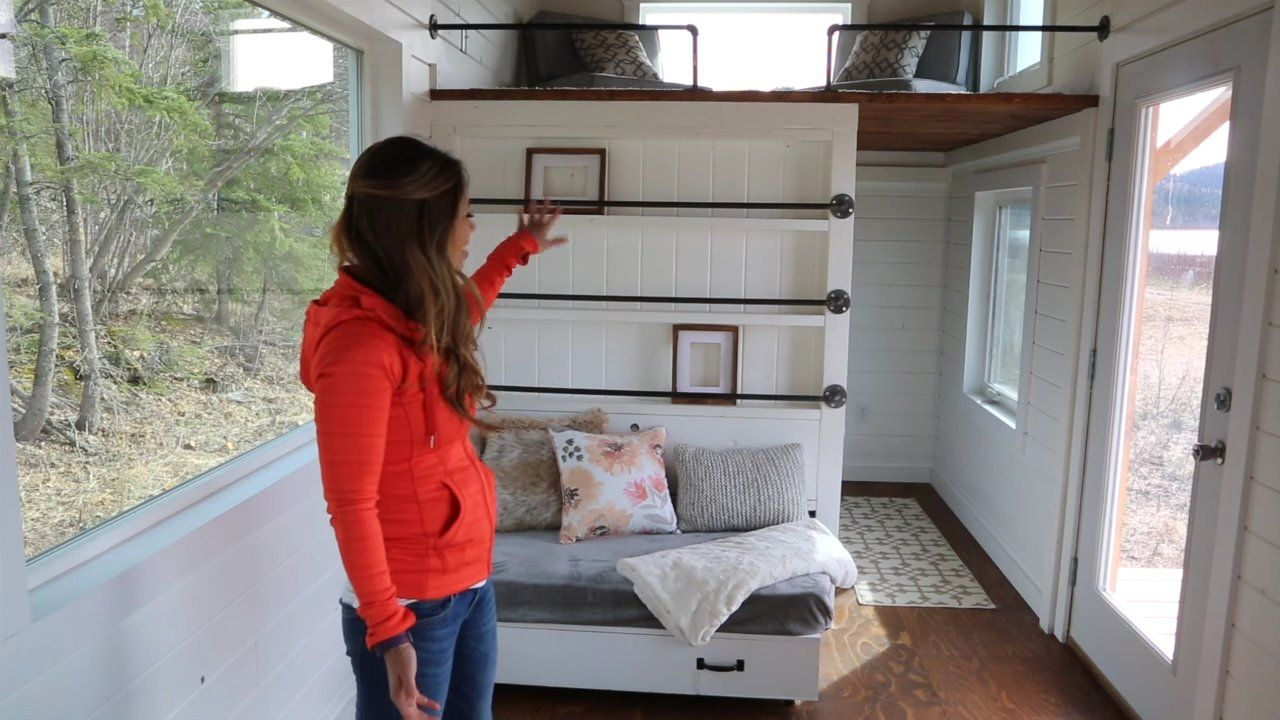 Triple Bunk Bed Tiny House on Wheels And Plans to Build Your own