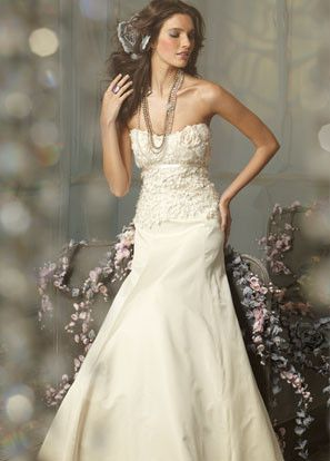 Jim Hjelm Jh8001 Neckline Strapless Silhouette Full Fit N Flare Fabric Silk Taffeta Color Ivory Features Wedding Dresses Bridal Gowns Wedding Dress Couture