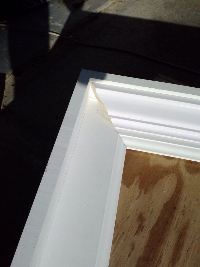 Chunky diy frame from 1x4, baseboard & crown molding | DIY ...