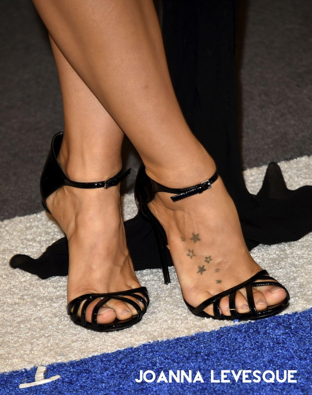 Celebrity Feet Online