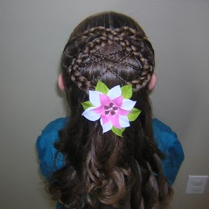 peinados de moda peinados para primera comunin con trenzas para un tocado central