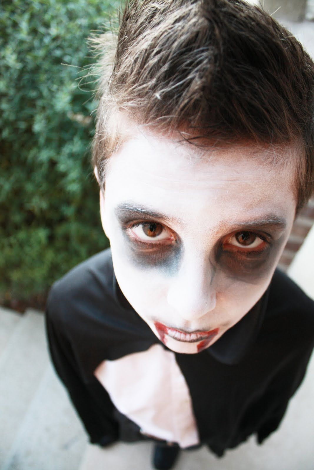 Halloween Makeup for Boys | Vampire makeup, Halloween vampire and ...