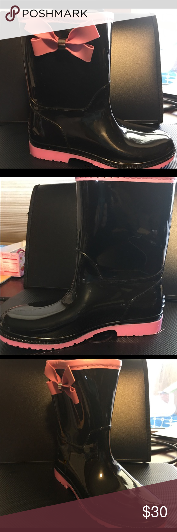 Henry Ferrera Girls' Bow Detail Rubber Rain Boots These cute Henry Ferrera rain boots will help your little girl dry while she is out and about. These boots are styled with a playful side bow and faux seam detailing for a traditional look. NWB. Shoes Rain & Snow Boots