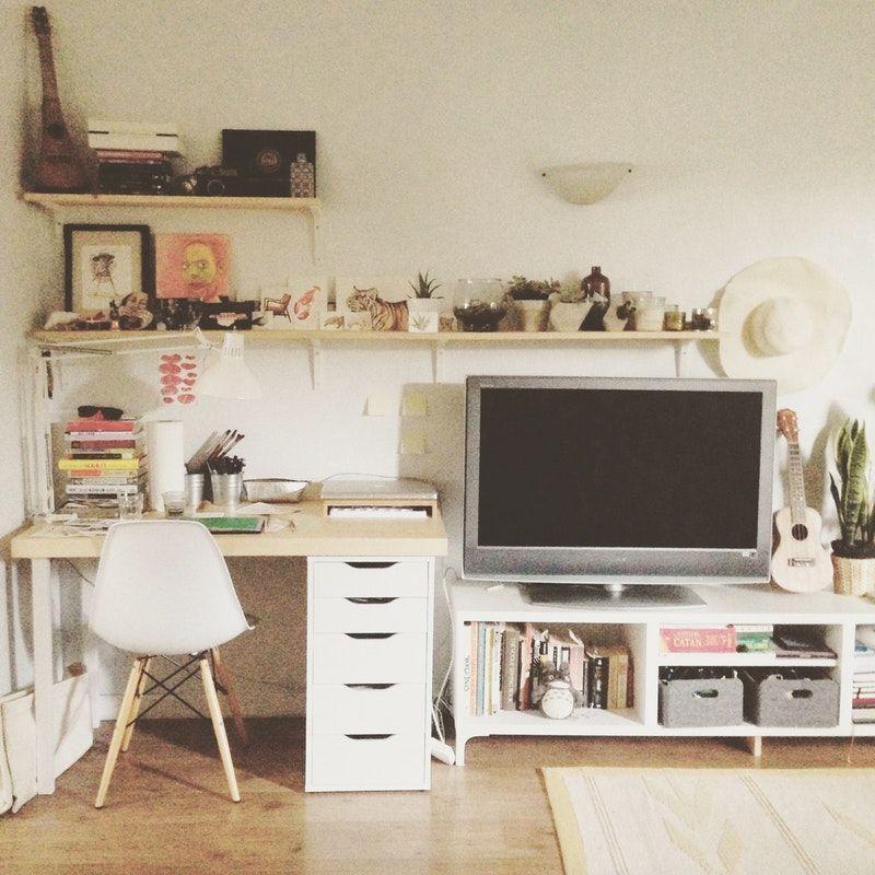 Desk Tv Area Combo Alyssa S Stylish Storage Small Cool Small Room Bedroom Aesthetic Bedroom Storage Kids Room
