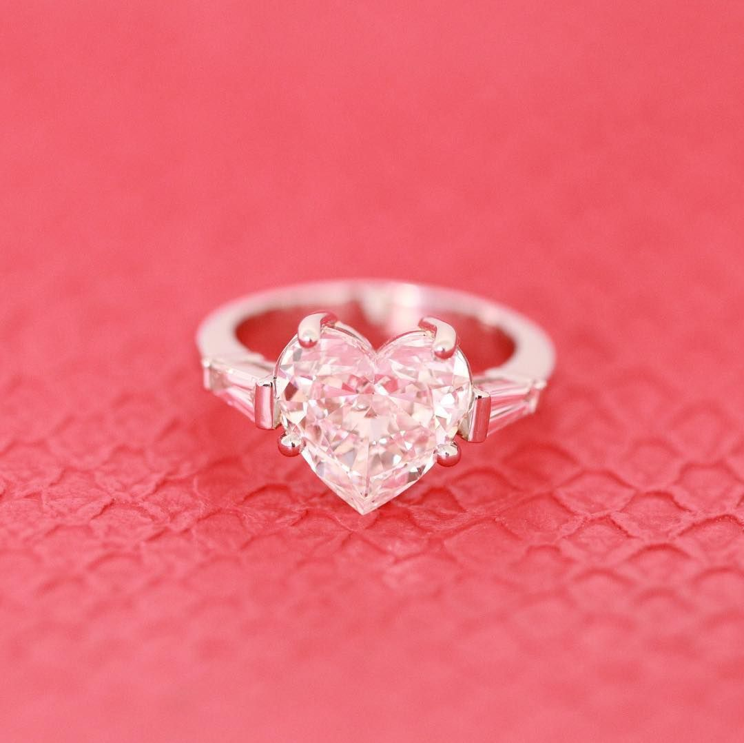 Start your weekend with the ultimate engagement ring set with a ...