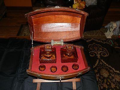 Vintage Whiske Barrel on Stand Decanter & Shot Glass Set Amber Color