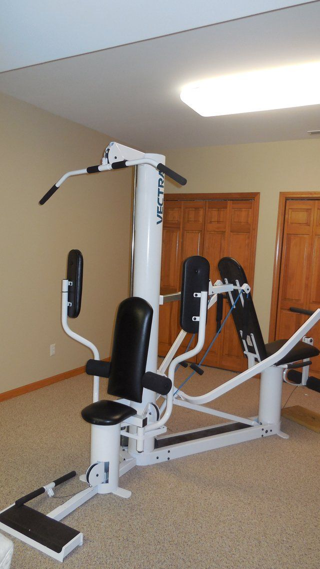 Vectra on line 1250 home gym commercial grade machine that has been