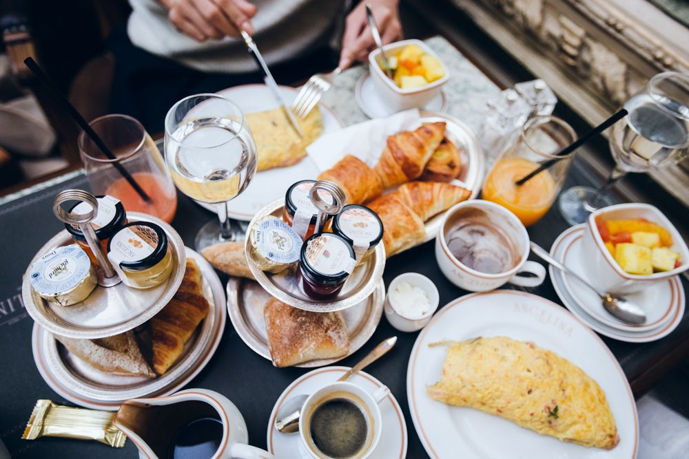 3 Cafes In Paris You Need To Visit The Chriselle Factor Paris Breakfast Parisian Breakfast Paris Desserts