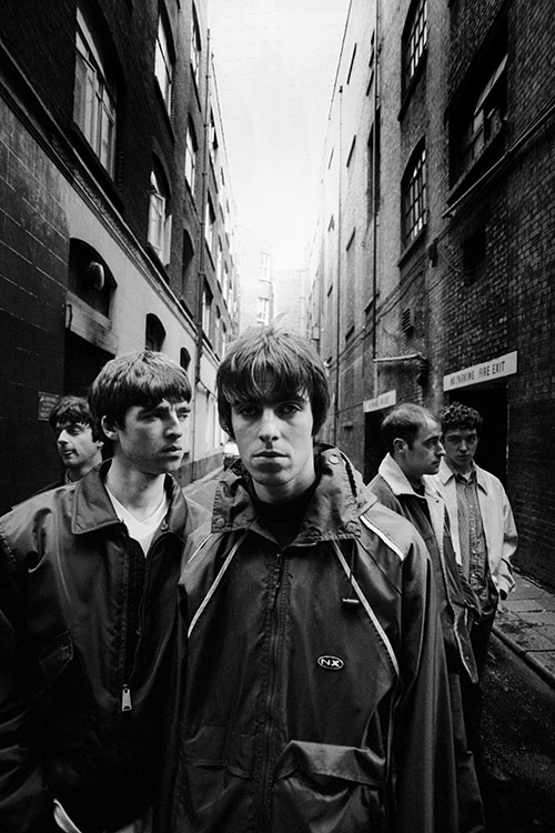 Kc Oa001 Oasis Iconic Images Band Photoshoot Band Photography Oasis Band