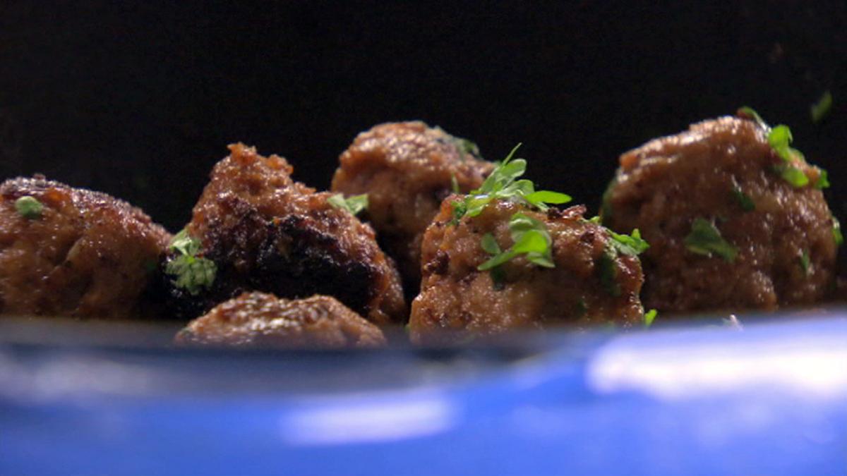 Uten tvil gir vi dere oppskriften på verdens beste kjøttboller, ifølge Paul Svensson. Velbekomme!