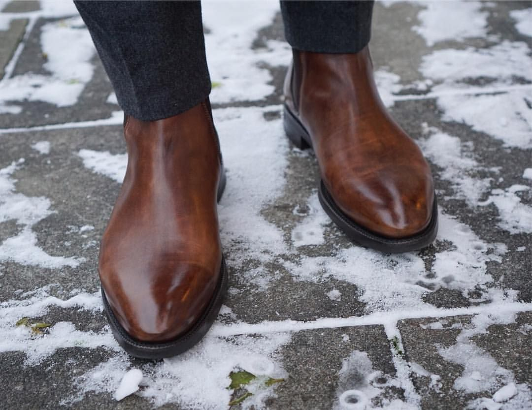 """159 Likes, 3 Comments - Italigente (@italigenteshoes) on Instagram: """"Warm brown, cold ground. #italigente #stoccolmaII #mogano #15last #nofilter #mensshoes…"""""""