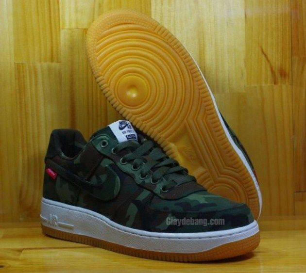 reputable site 62579 6ba8d Supreme x Nike Air Force 1 Low - Camo